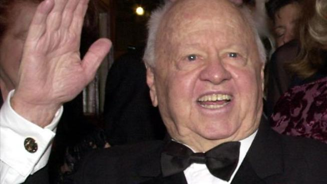 90-Year-Old Mickey Rooney In Search of New Gigs