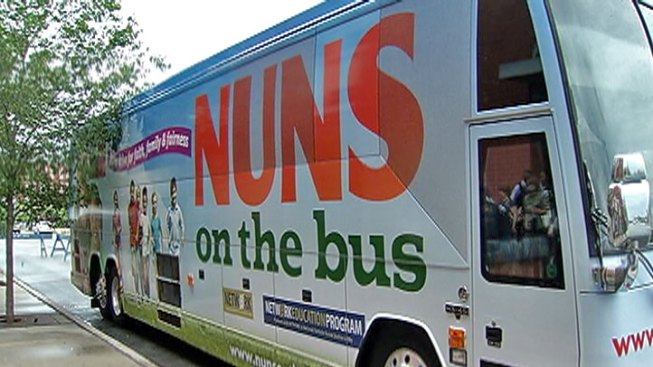 'Nuns on the Bus' Campaign Makes Chicago Stop