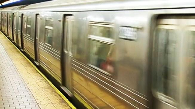 Man Stabbed in the Eye on Subway Platform: Cops