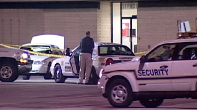 Woman Shot During Robbery Attempt at Mall