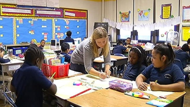 Illinois House Sends Governor Bill Raising Teacher Salaries