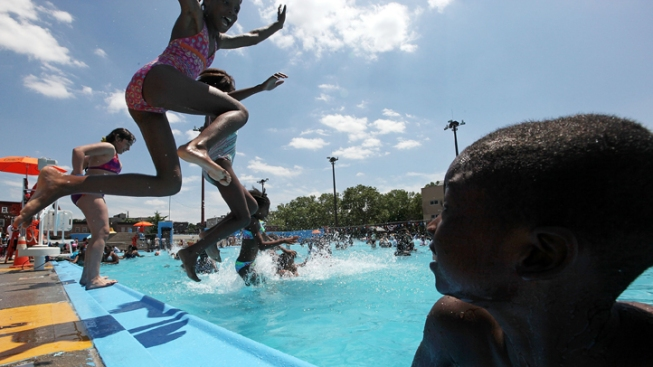 Chicago Park District Opens Outdoor Pools, Water Features for Summer