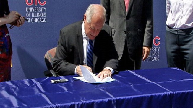 Quinn Signs Legislation Promoting Green Development