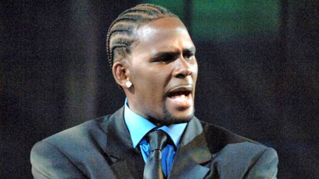 R. Kelly Plans Book, Album This Month