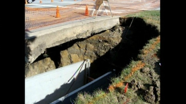 Sinkhole Causes Traffic Delays in Palatine