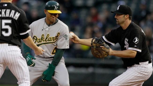 Dunn, Konerko Homer in White Sox Win Over Athletics