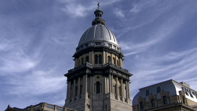 Illinois' Capitol Won't Have Christmas Decor This Year Because of Budget Impasse