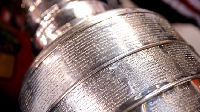 Stanley Cup Travels to Chicago for Game 6
