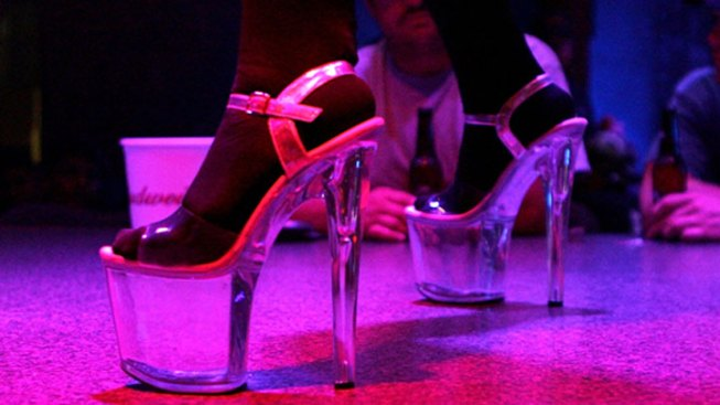Chicago Strip Club Offers Lap Dances For Holiday Charity