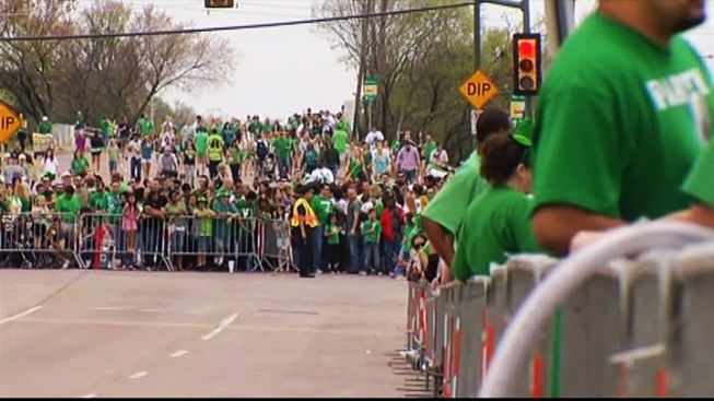 Chicagoans Face Chilly St. Patrick's Day Weekend