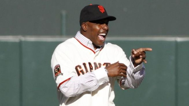 Barry Bonds' Donation to Journalists' Group Questioned