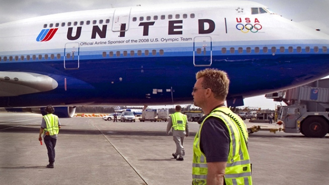 United Employees Collect Bonuses