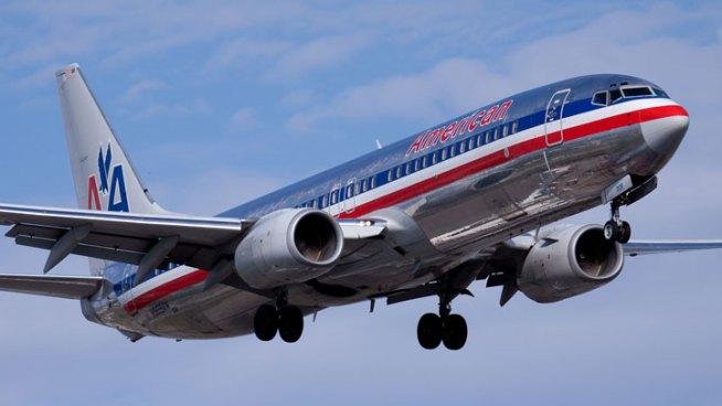 Four passengers apparently fainted on an American Airlines flight headed to Chicago from Washington D.C. because of a possible issue with cabin pressure.