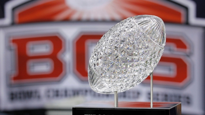 BCS Approves 4-Team College Playoff