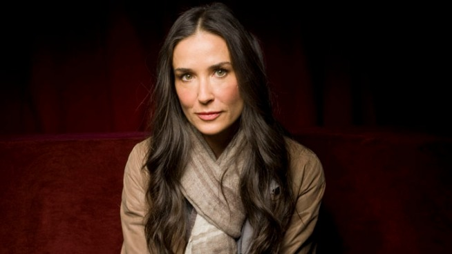 Friends of Demi Moore try to stay calm as paramedics are en route to the actress' home. Callers tell the operator that Moore was convulsing after smoking a substance. Portions of this call have been redacted to protect phone numbers and addresses.