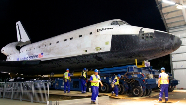 Shuttle Endeavour completed its 12 mile commute from LAX to the California Science Center