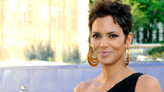 Halle Berry Cancels Appearance at Academy Awards