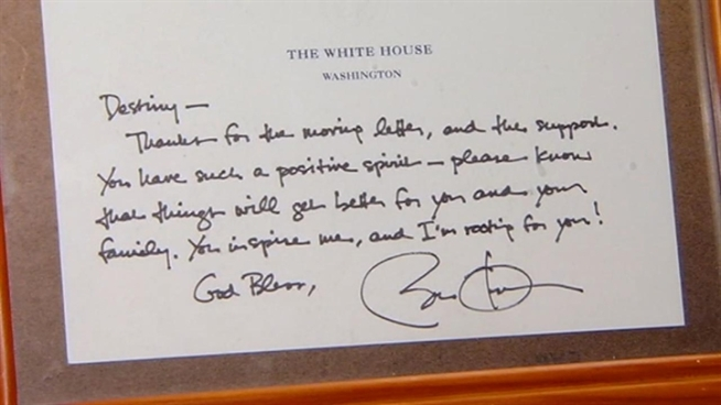 Destiny Mathis wrote a letter to President Barack Obama about struggling as a single mother, and Obama wrote her back. Mathis is now trying to sell the handwritten letter to help pay rent.