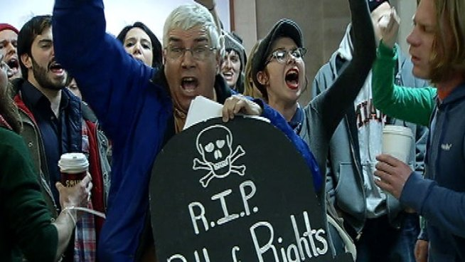 http://media.nbcbayarea.com/images/summit-protesters-city-hall.jpg