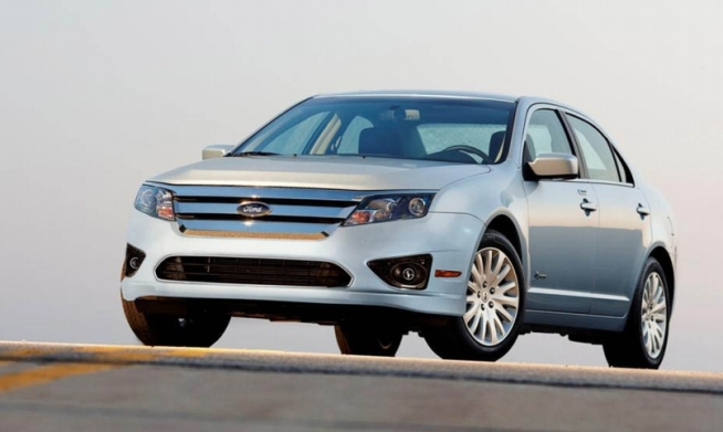 Ford Test Drives Fusion Hybrid Car on GW Parkway