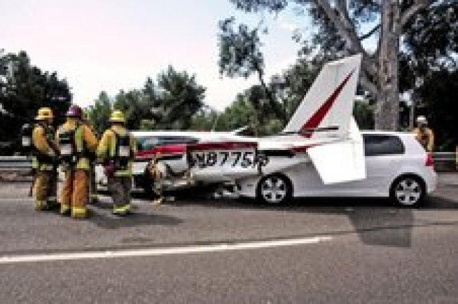 Cars Crash Into Plane After Emergency Freeway Landing