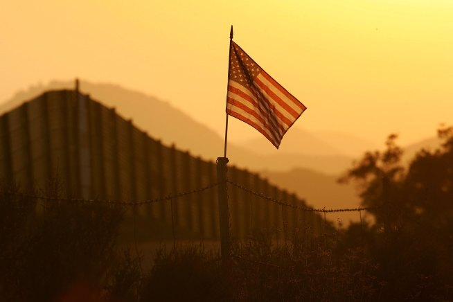 Obama Mulls Sending National Guard to Border
