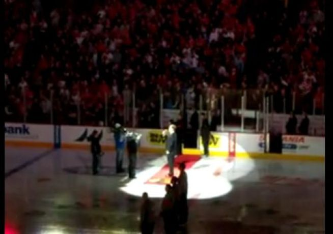 Blackhawks Singer Wails Anthem In Bar