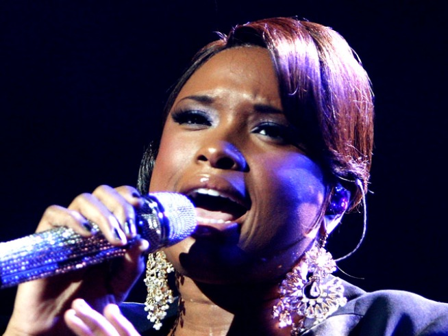 "Rep Confirms: Jennifer Hudson is ""Not Pregnant"""