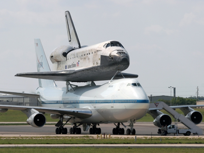 NASA OK's Shuttle Discovery for April Launch