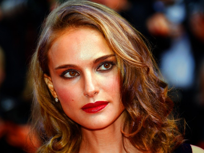Natalie Portman Opens Up About Sex Scene