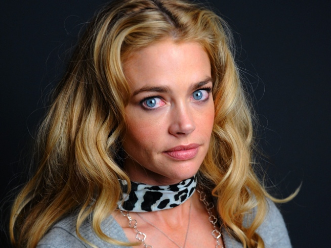 "Denise Richards Dishes to Oprah: Charlie Sheen ""Never Hit Me"""