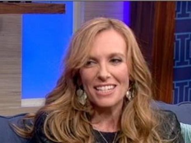 Actress Toni Collette talks about her challenging, multi-character role in the Showtime dramedy <i>United States of Tara</i>.