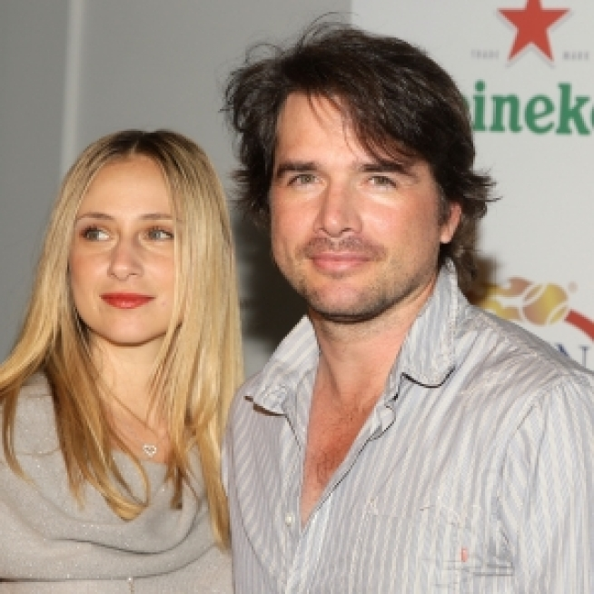 """Gossip Girl's"" Matthew Settle & Wife Split"