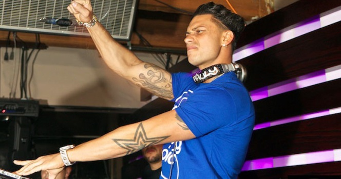 DJ Pauly D Spins Through Chicago