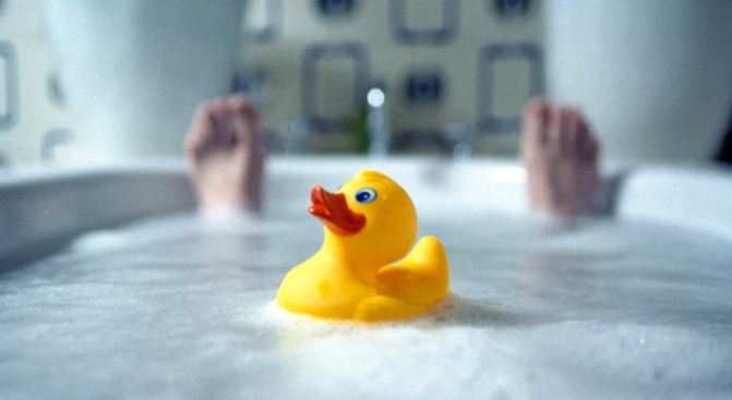 Rubber Ducky Saves Life of Woman