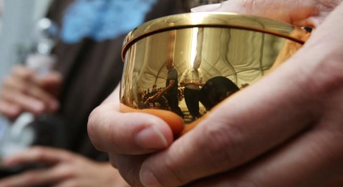 Shrine Flu: Churches Nix Communion Over H1N1 Fears