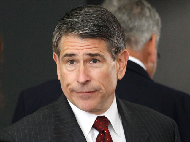 Prosecution Drops Wire Fraud Charge Against Robert Blagojevich