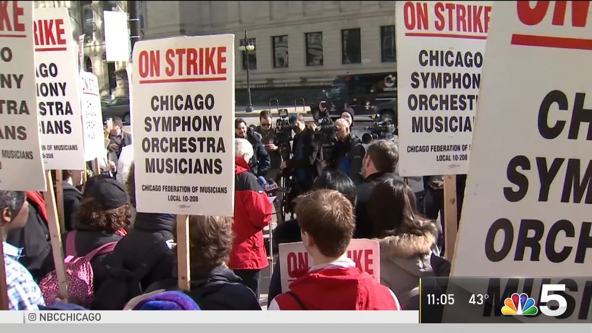 Cast, Crews From Hit Chicago Shows Join CSO Picket Line HOTnews